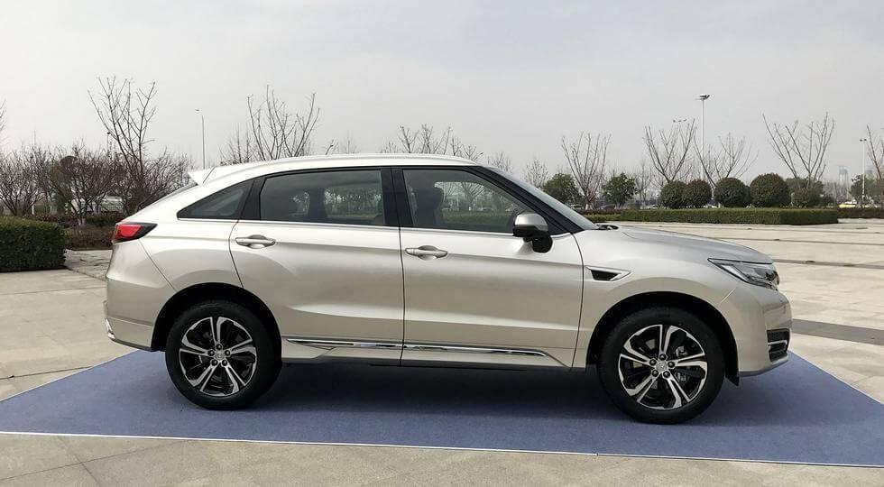 фото Honda UR-V 2017-2018 года вид сбоку