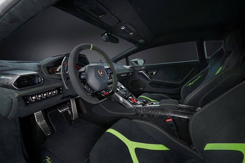 фото салона Lamborghini Huracan Performante 2017-2018 года