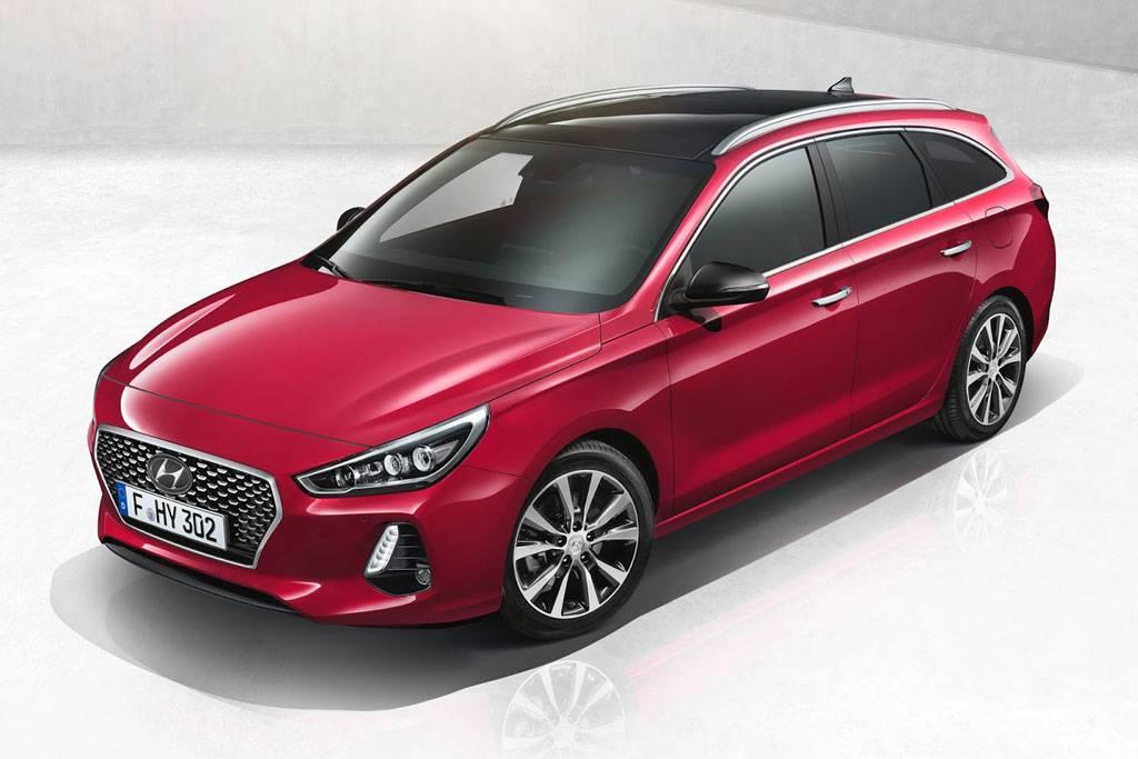 фото Hyundai-i30-Tourer-2017-2018 вид спереди