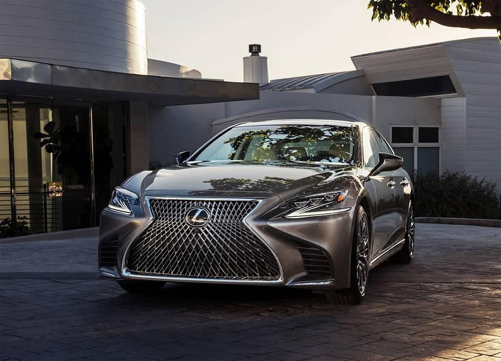New Lexus LS 500 2017-2018 года