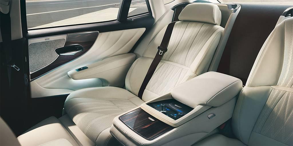 картинки салона Lexus LS 500 2017-2018