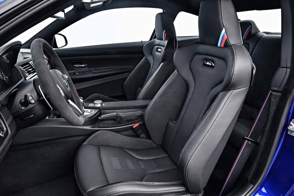 фото интерьера BMW M4 CS 2018