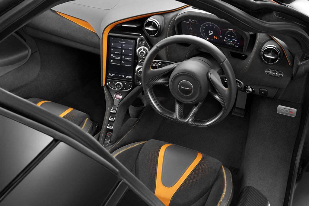 фото салона McLaren 720 S 2017-2018 года