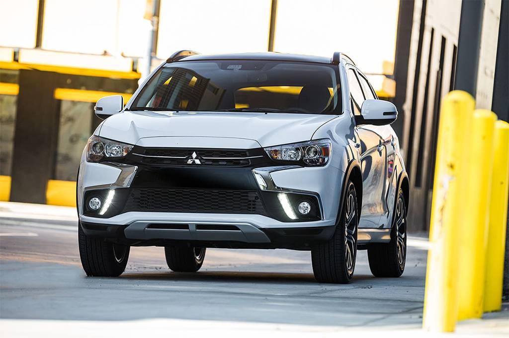 фото Mitsubishi ASX 2017-2018 года вид спереди