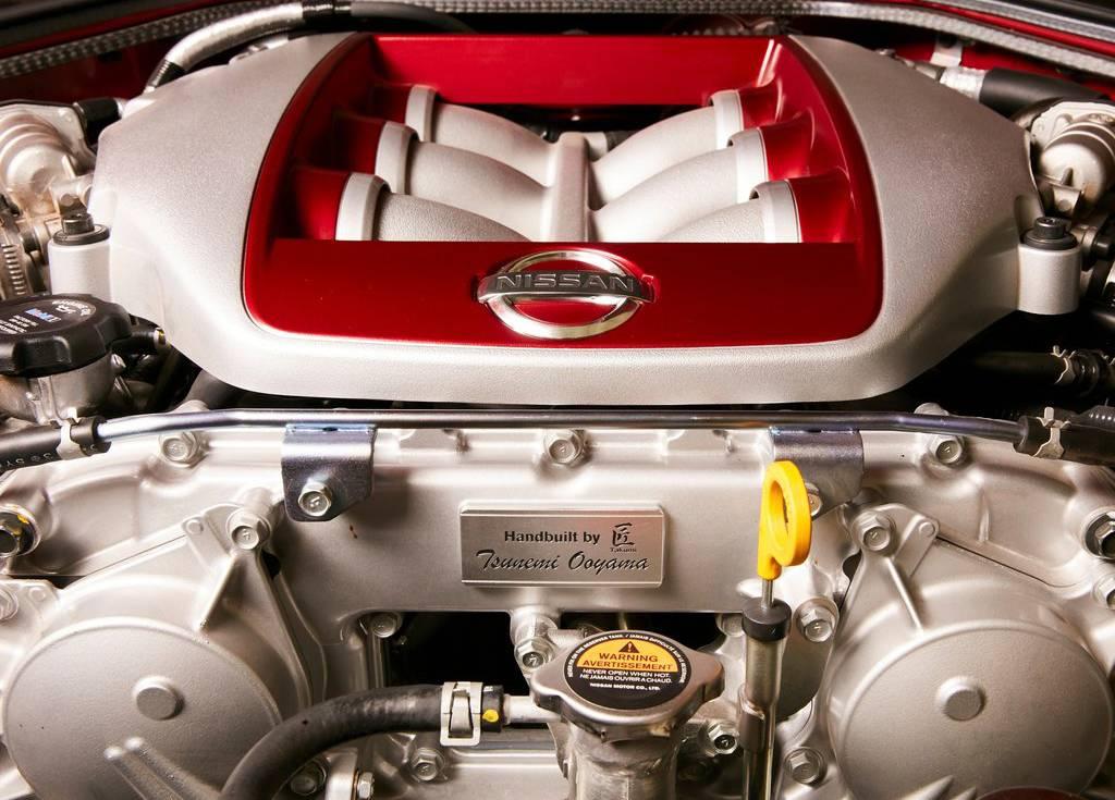 фото двигателя Nissan GT-R Track Edition 2017-2018 года