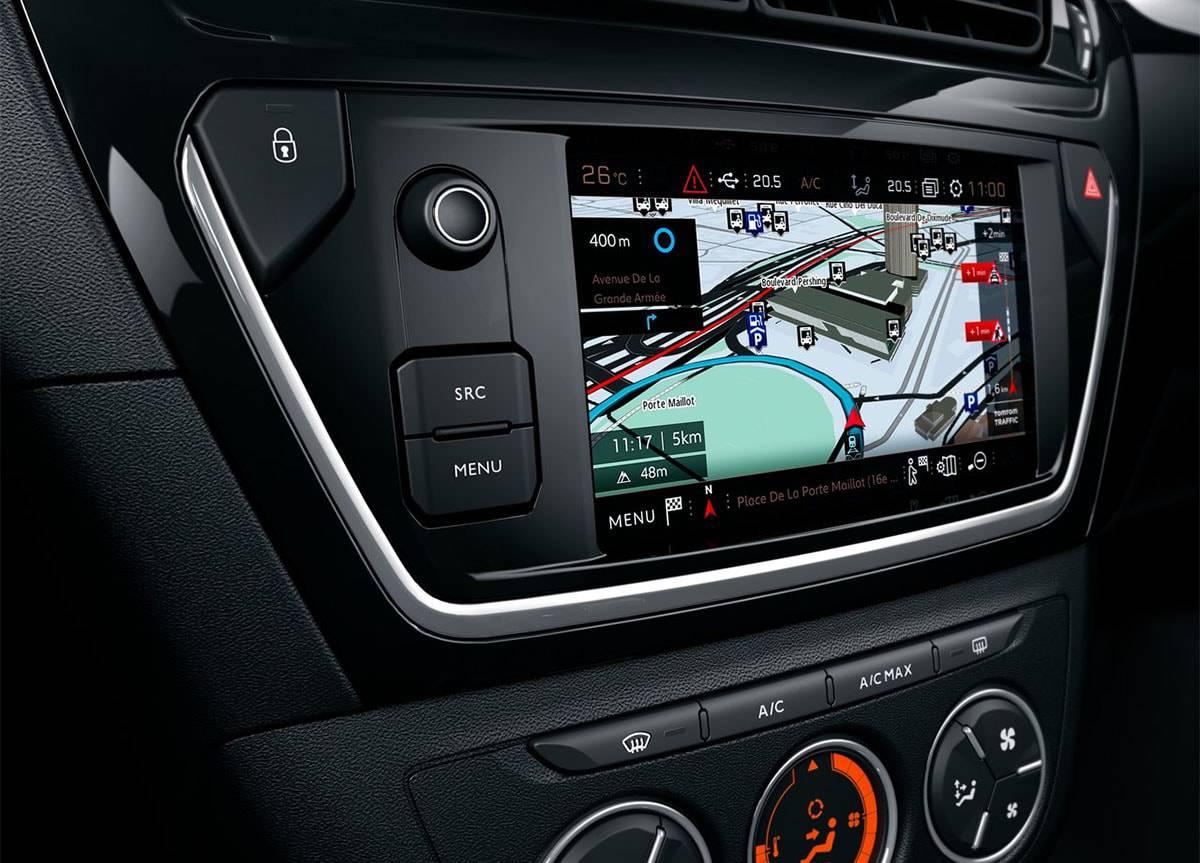 фото интерьера с цветным дисплеем Peugeot 301 2017-2018 года