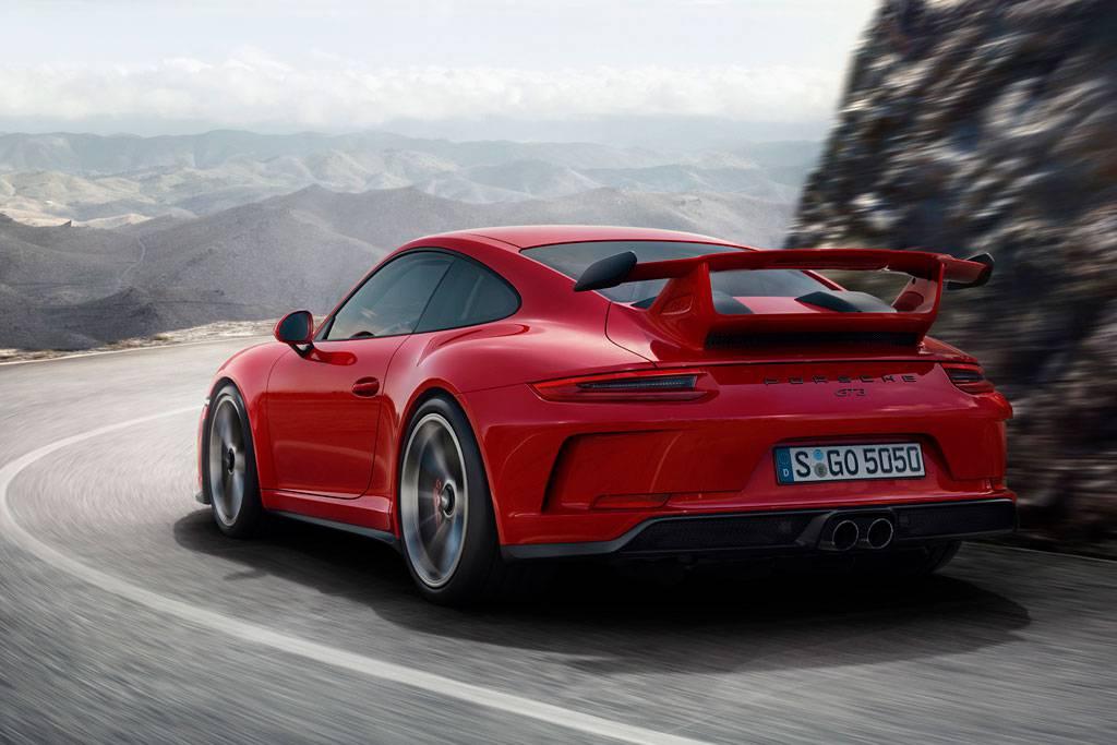 фото Porsche 911 GT3 2017-2018 года вид сзади