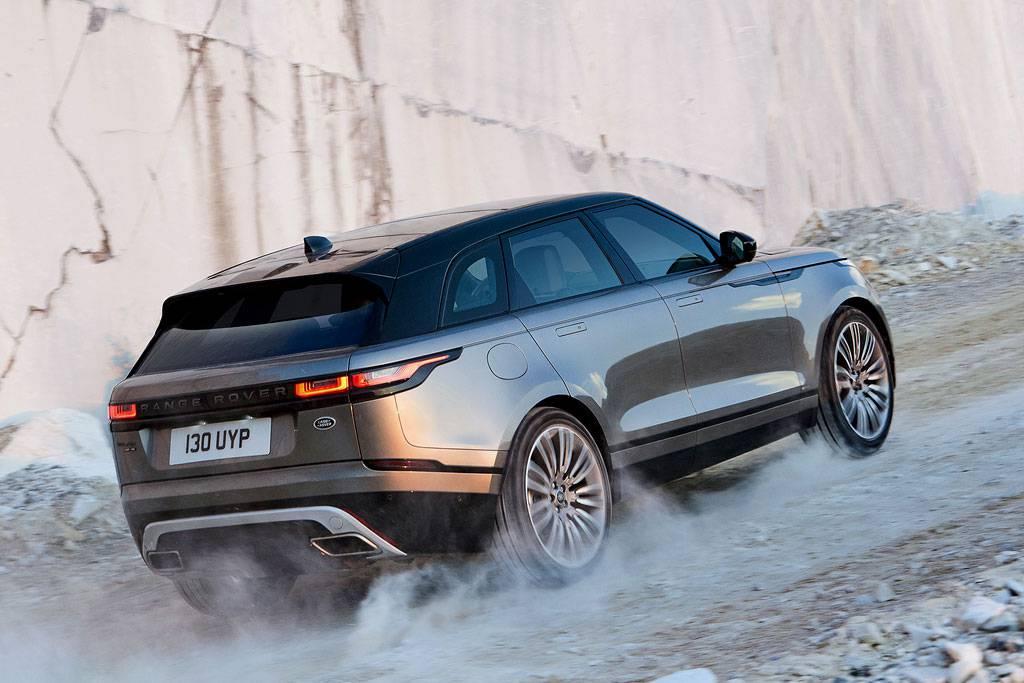 фото Range Rover Velar 2017-2018 года вид сзади