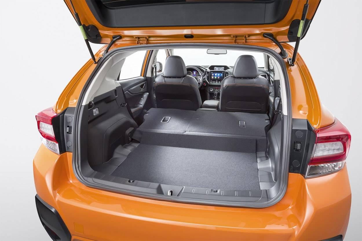 картинки багажника Subaru XV 2017-2018 года