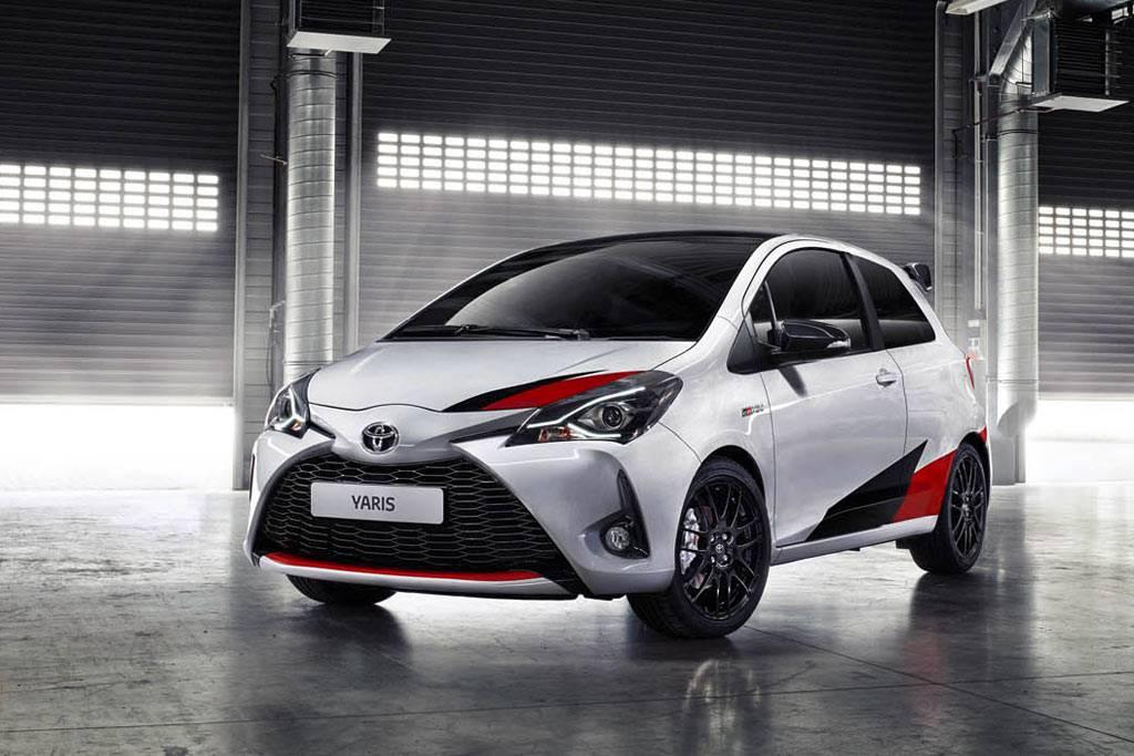 фото Toyota Yaris GRMN 2017-2018 года вид спереди