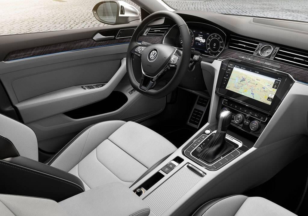 фото интерьера Volkswagen Arteon 2017-2018 года