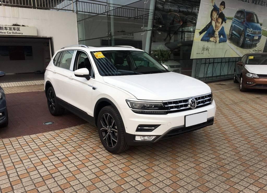 фото Volkswagen Tiguan XL 2017-2018 года вид спереди