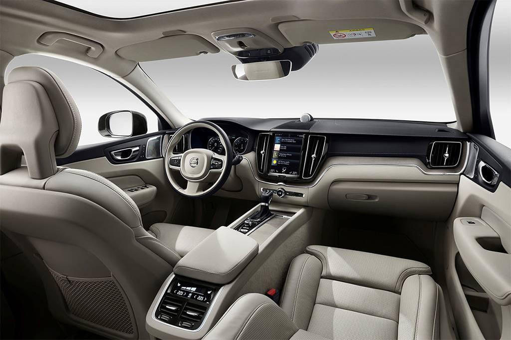 фото салона Volvo-XC60-2017-2018 года