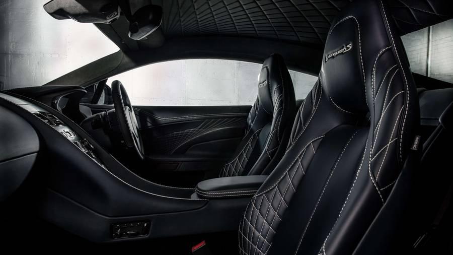 фото салона Aston Martin Vanquish S 2017-2018 года