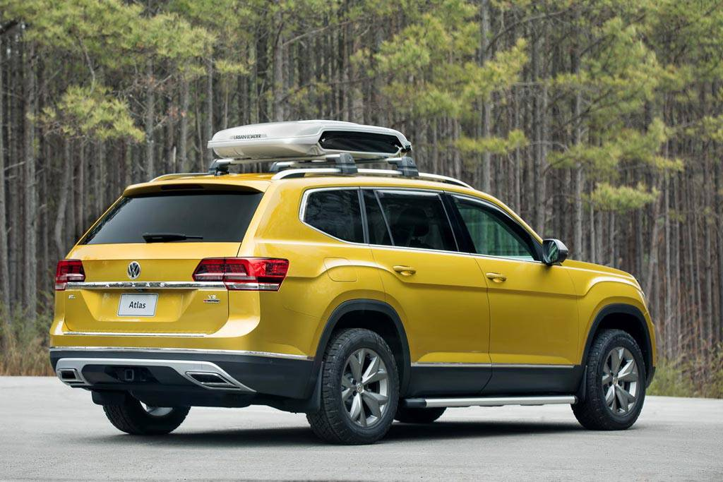 фото Volkswagen Atlas Weekend Edition вид сзади