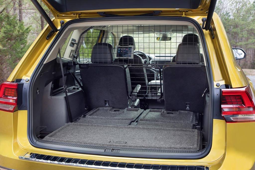 фото багажного отделения Volkswagen Atlas Weekend Edition