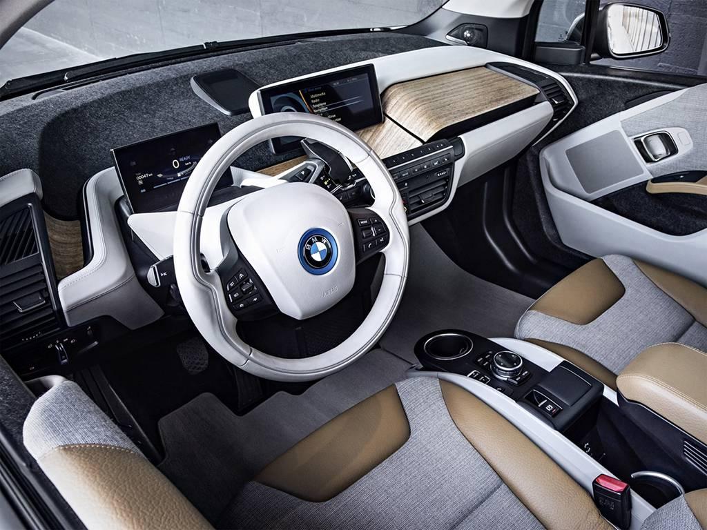 фото салона BMW i3 2016-2017