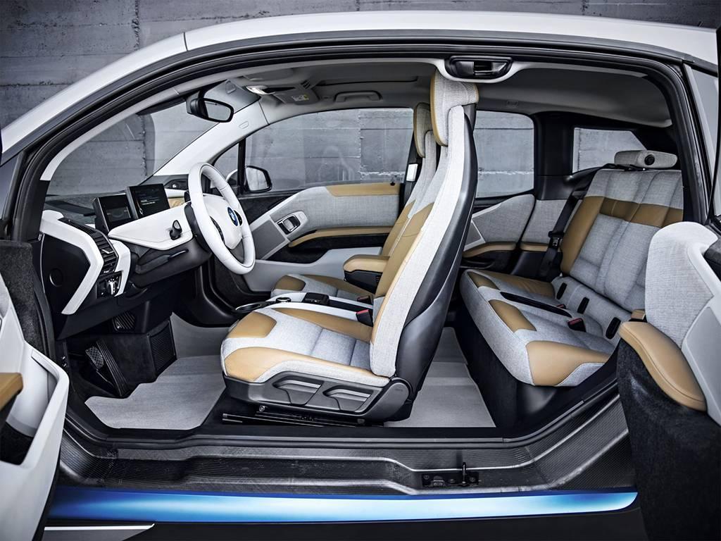 фото интерьера BMW i3 2016-2017