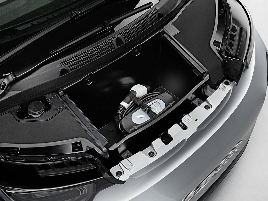 фото экспресс-зарядки BMW i3 2016-2017