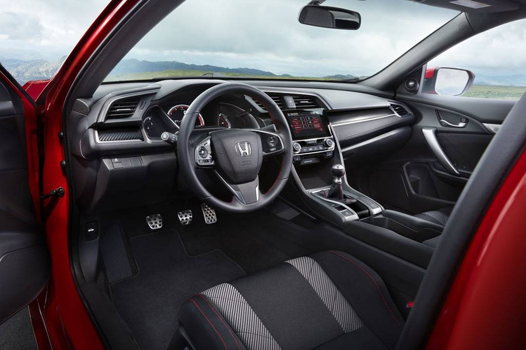 фото салона Honda Civic Si 2017-2018 года