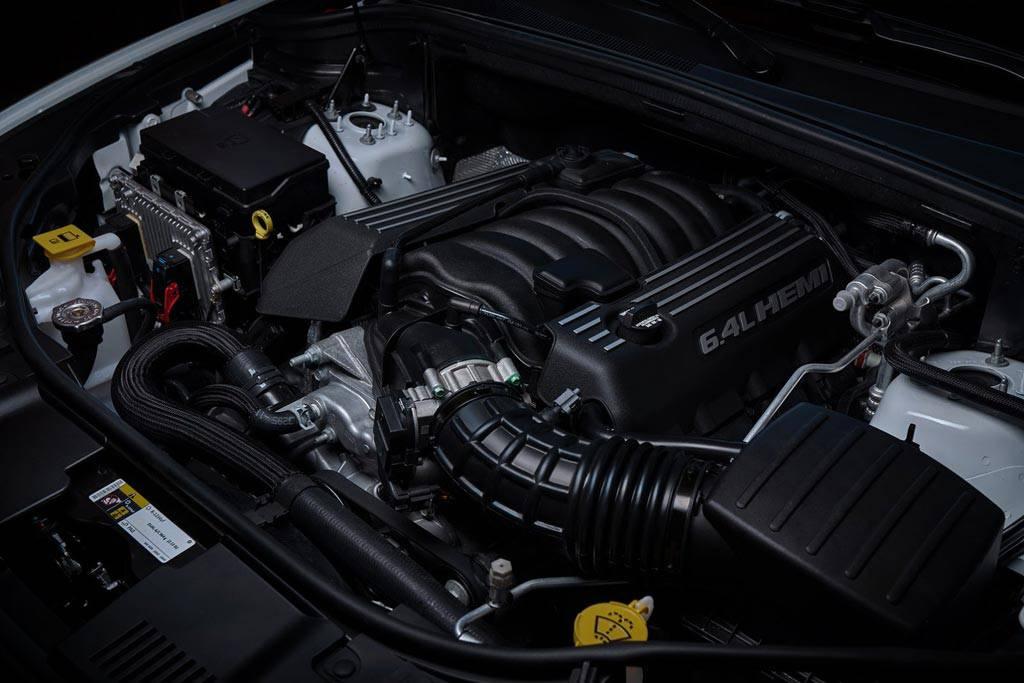 фото двигателя Dodge Durango SRT 2017-2018 года