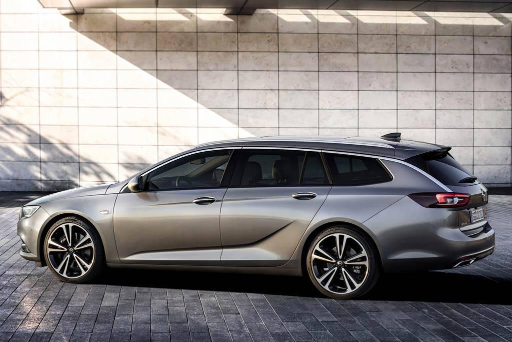 фото Opel Insignia Sport Tourer 2-2017-2018 года вид сбоку
