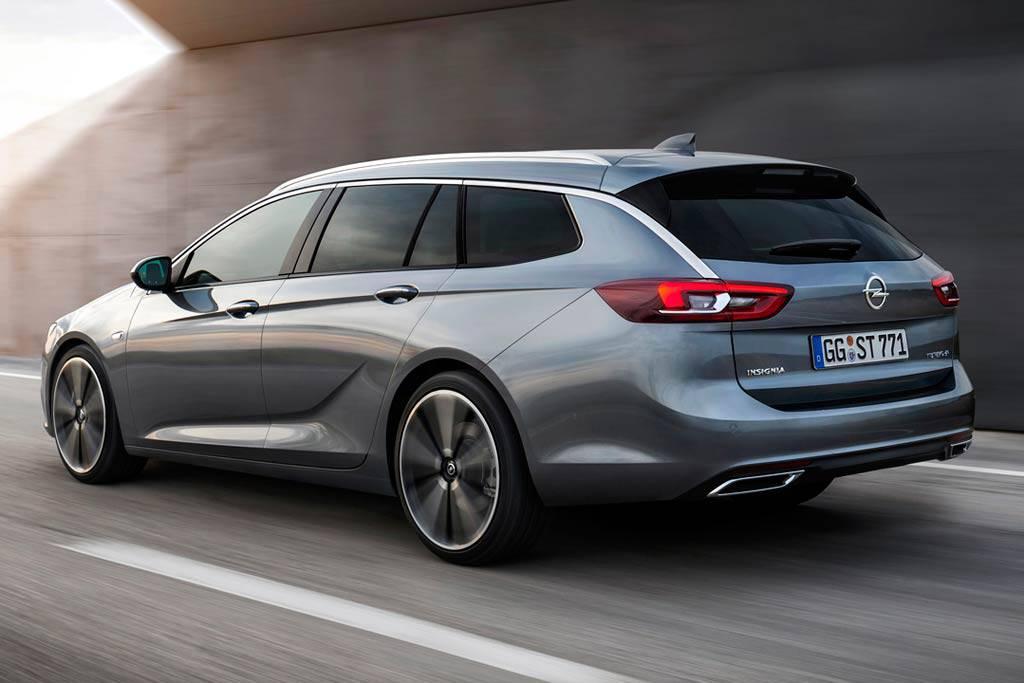 фото Opel Insignia Sport Tourer 2-2017-2018 вид сзади