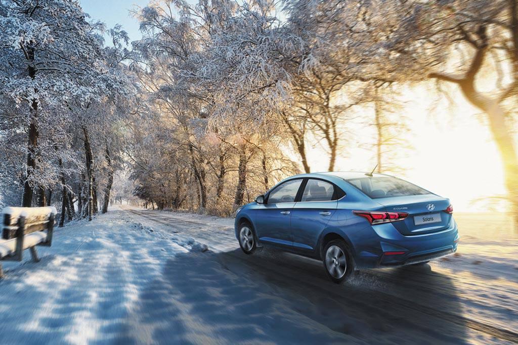 фото Hyundai Solaris 2 2017-2018 года вид сзади
