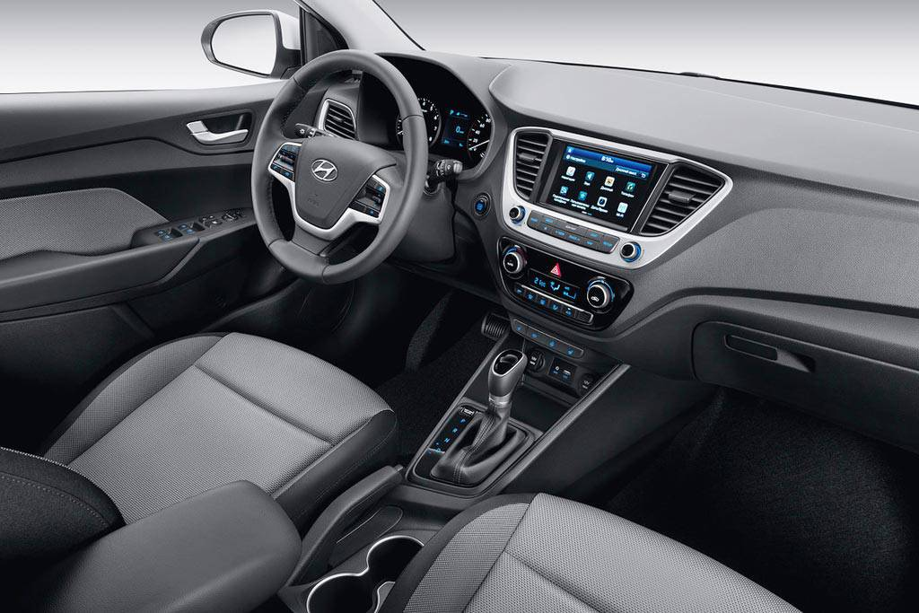 фото интерьера Hyundai Solaris 2 2017-2018 года