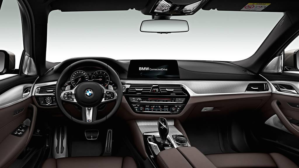 премиальный салон BMW M550d xDrive 2017-2018