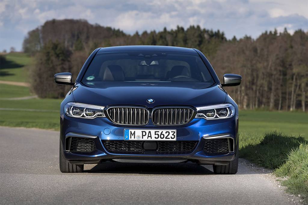 седан Е-класса BMW M550i xDrive 2017-2018 года
