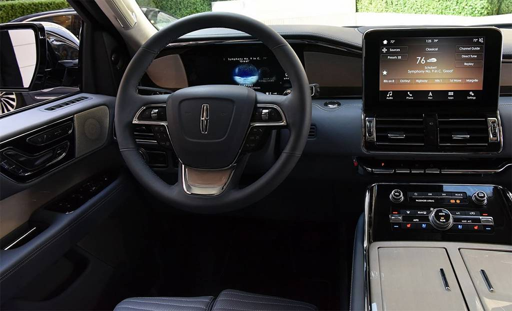 фото интерьера Lincoln Navigator 2018-2019 года