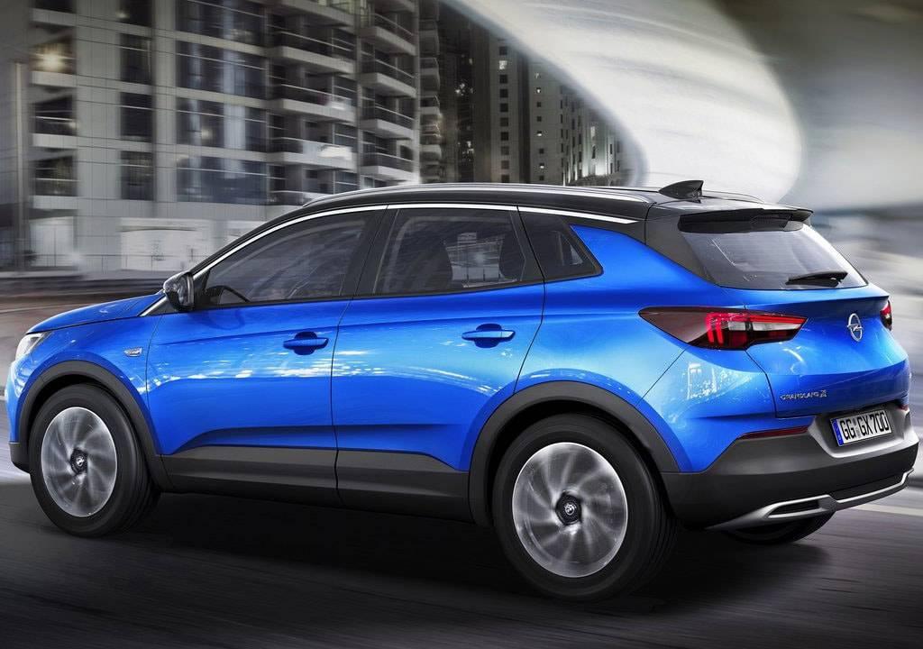фото Opel Grandland X 2017-2018 года вид сбоку