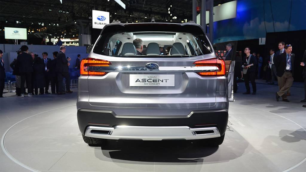 фото Subaru Ascent SUV Concept 2017 вид сзади
